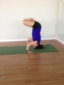 headstand solo